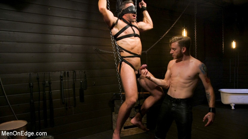 Alex Mecum - KinkMen Presents CONSTRAINED: Athletic Men Bound, Punished, and Edged | Picture (16)