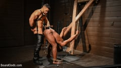 Arad Winwin - Fresh Muscle: Leather Clad Arad Winwin Punishes Newcomer Parker Payne | Picture (17)