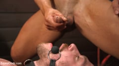 Arad Winwin - Heavy Handed: Arad Winwin Flogs, Fucks and Fists Blake Hunter | Picture (16)
