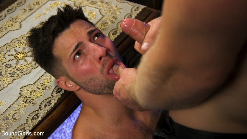 Casey Everett - Extra Innings: Casey Everett Abducted and Fucked by Logan Stevens | Picture (9)