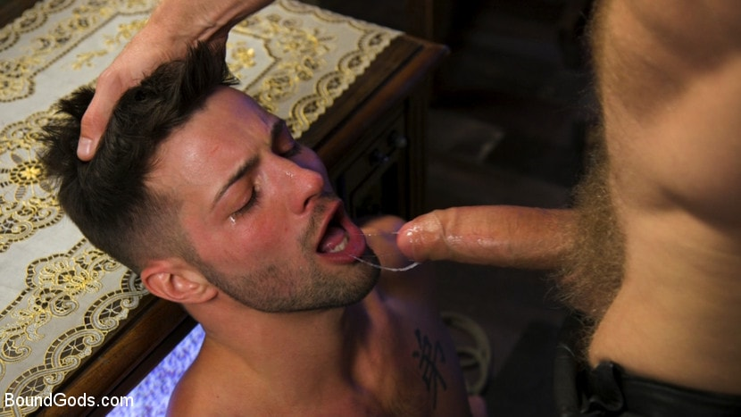 Casey Everett - Extra Innings: Casey Everett Abducted and Fucked by Logan Stevens | Picture (10)