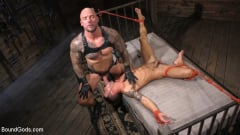 Casey Everett - Stepdaddy's Dungeon | Picture (13)