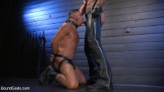 Cesar Xes - Cesar Xes Surrenders to Mr. Roman | Picture (8)