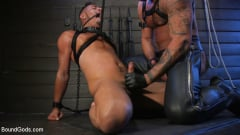 Cesar Xes - Cesar Xes Surrenders to Mr. Roman | Picture (18)