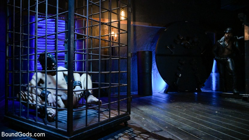 Chance Summerlin - Rat in a Cage: Chance Summerlin Serves Leather Muscle God Max Konnor | Picture (1)