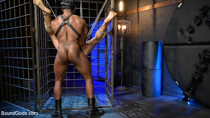 Chance Summerlin - Rat in a Cage: Chance Summerlin Serves Leather Muscle God Max Konnor | Picture (17)