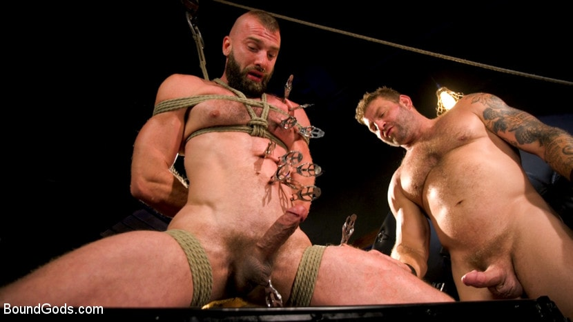 Colby Jansen - Leather and Latex: Muscle Stud Colby Jansen Dominates Donnie Argento | Picture (15)