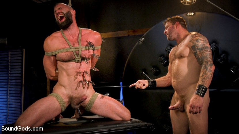 Colby Jansen - Leather and Latex: Muscle Stud Colby Jansen Dominates Donnie Argento | Picture (16)