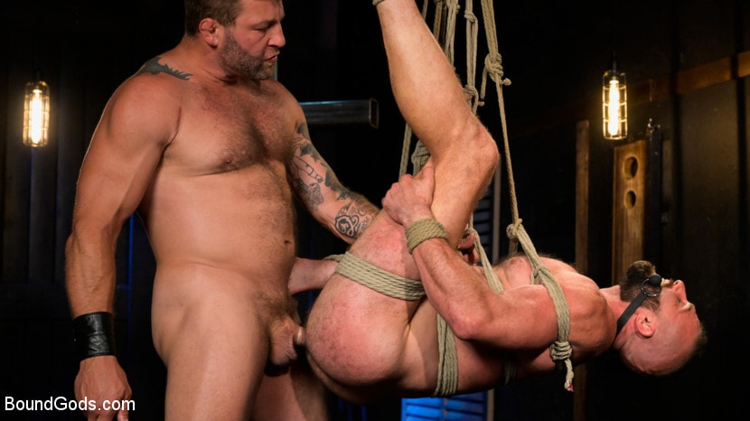 Colby Jansen - Leather and Latex: Muscle Stud Colby Jansen Dominates Donnie Argento | Picture (20)