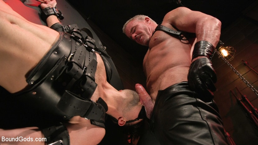 Dale Savage - Muscle Daddy Dale Savage Punishes Big-Dicked Mason Lear | Picture (21)