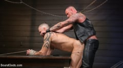 Dallas Steele - Serve Your Master: Michael Roman Shows Dallas Steele Who's In Charge | Picture (19)