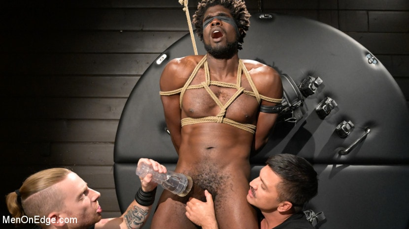 Devin Trez - Taken and Edged: Leather Dom Devin Trez Submits to Dominic Pacifico | Picture (4)