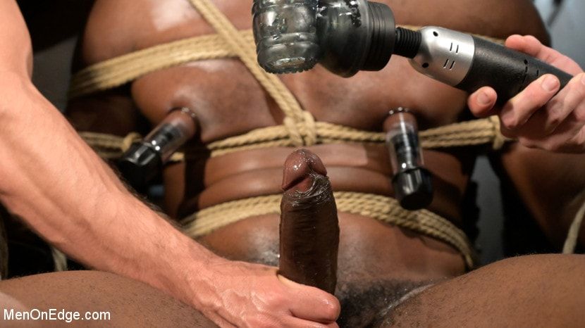 Devin Trez - Taken and Edged: Leather Dom Devin Trez Submits to Dominic Pacifico | Picture (16)