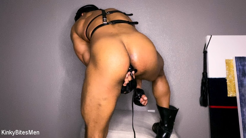 Dillon Diaz - Dillon Diaz: Uses Leather Gloves to Stretch His Hole and Milk His Cock | Picture (13)