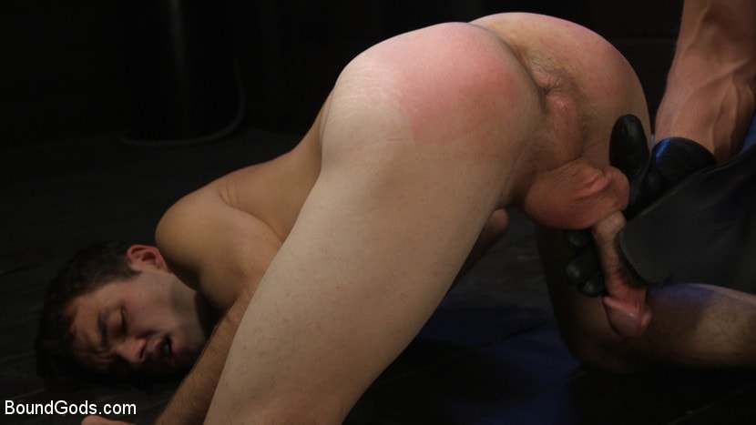 Dominic Pacifico - Obedient Slave, Marcus Rivers Serves Dominic Pacifico | Picture (10)