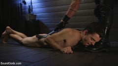 Dominic Pacifico - Obedient Slave, Marcus Rivers Serves Dominic Pacifico | Picture (15)