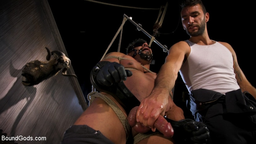 Draven Navarro - Captured Criminal: Hard Working Stud Gags and Punishes Wanted Thief | Picture (9)
