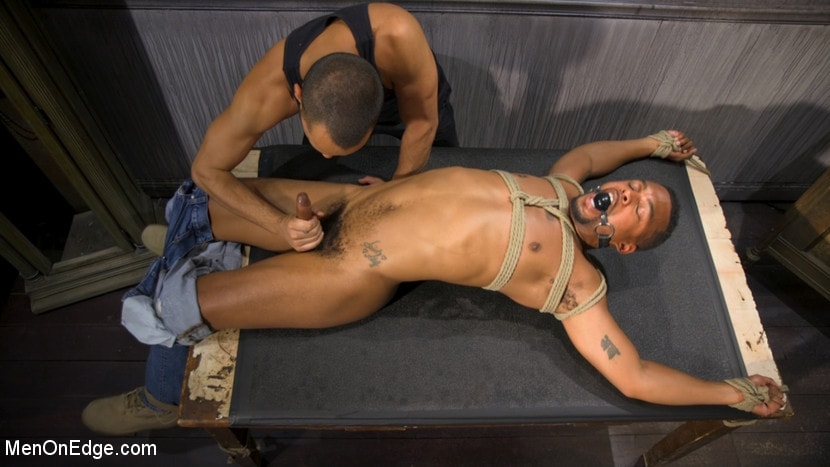 Jacen Zhu - A Deal's A Deal: Jacen Zhu Gets Taken Down and Edged | Picture (7)