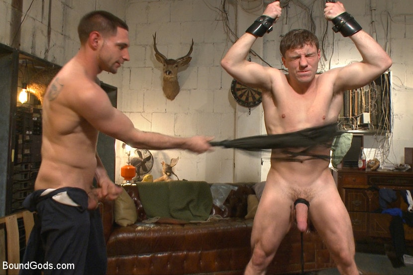 Jay Rising - The Creepy Handyman Series - The battle of the giant cocks | Picture (10)