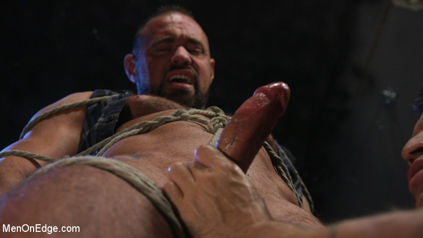 Michael Roman - Indecent Exposure: Muscle Stud Michael Roman Gets His Hard Cock Milked | Picture (5)
