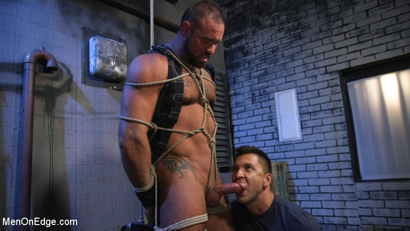 Michael Roman - Indecent Exposure: Muscle Stud Michael Roman Gets His Hard Cock Milked | Picture (6)