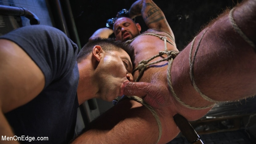 Michael Roman - Indecent Exposure: Muscle Stud Michael Roman Gets His Hard Cock Milked | Picture (15)