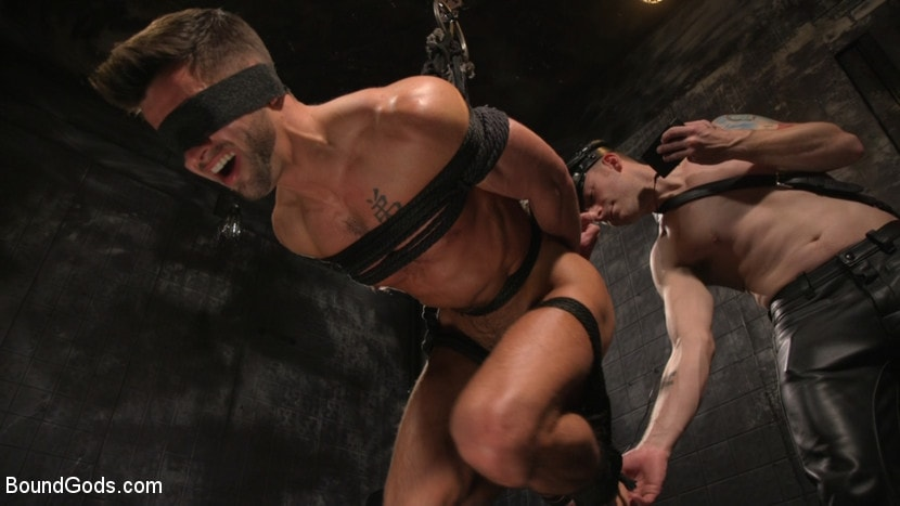 Sebastian Keys - A Hard Place: Casey Everett Tormented And Fucked In Full Suspension | Picture (15)