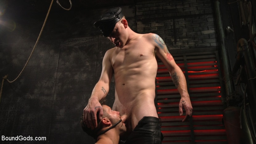 Sebastian Keys - A Hard Place: Casey Everett Tormented And Fucked In Full Suspension | Picture (30)