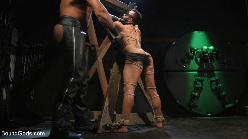 Sharok - Franco Gets FUCKED: New Slave Flogged and Fucked by Sharok | Picture (17)