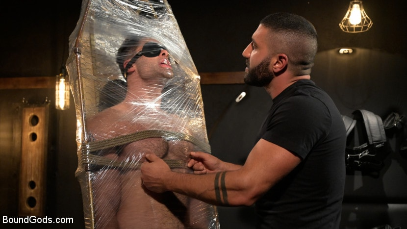 Sharok - The Captive Boy: Lucas Leon Submits to Sharok | Picture (2)