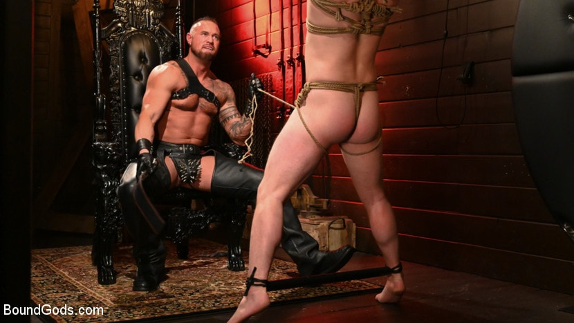 Tobias - The Torment of Tobias: Muscle hunk submits to Michael Roman | Picture (24)